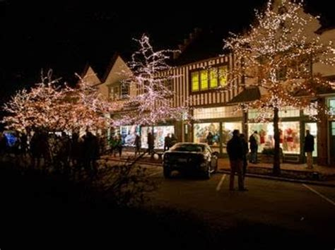 market square lights up lake forest friday for christmas
