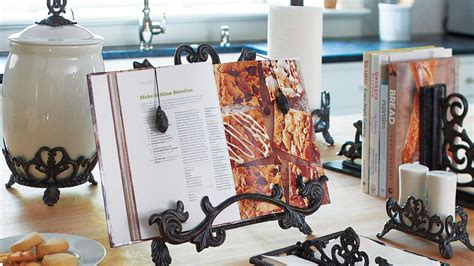 13 heartbreaking bookends for cookbooks in kitchens