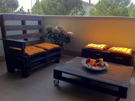 arredare giardino con bancali poltrona da esterno realizzata con bancali di deni