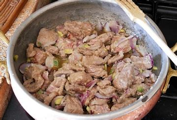 cucinare spezzatino di manzo spezzatino di manzo con piselli cucinare it