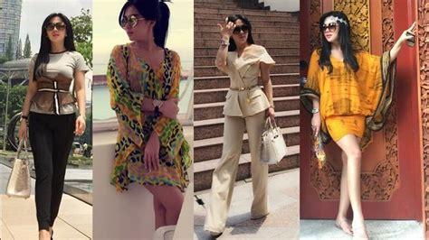 Kaos Kode Biarkan Foto Bicara umur boleh tante tante tapi gaya 5 artis cantik ini masih