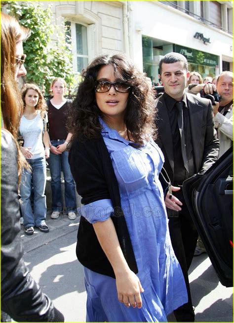 Salma Hayek Baby Bump by Salma Hayek Baby Bump In Blue Photo 156931 Francois