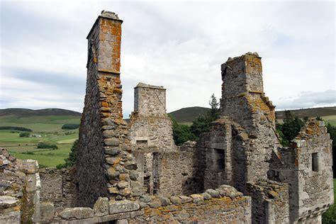 Castel Top castle top profile photo picture image glenbuchat