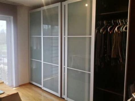 ikea schrank umzug wegen umzug verkaufen wir zwei ikea kleiderschr 228 nke quot pax