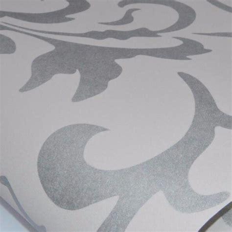 Wallpaper Dinding Glossy Modern European Style wallpaper dinding motif floral classic european style silver jakartanotebook