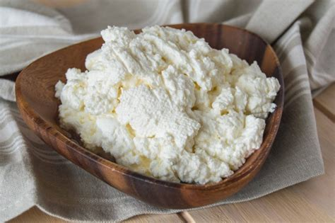 cottage cheese how to make authentic russian tvorog at home the foodie