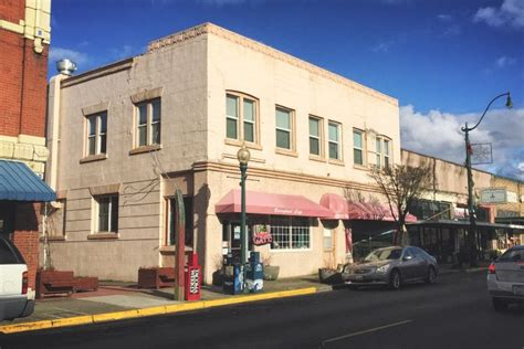 Sumner Post Office by 15 Small Towns In Washington With Great Restaurants