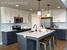 White And Gray Kitchen Cabinets by Dark Blue Kitchen White Cabinets Viewing Gallery