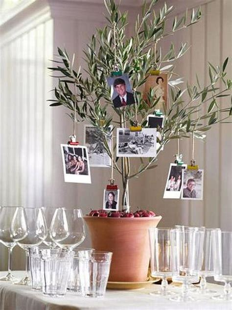 Family Tree Decoration by 10 Thanksgiving Dinner Centerpieces
