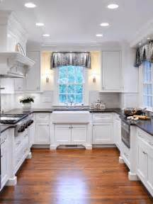 Cottage Kitchens Designs White Traditional Style Kitchen With Farmhouse Sink Hgtv