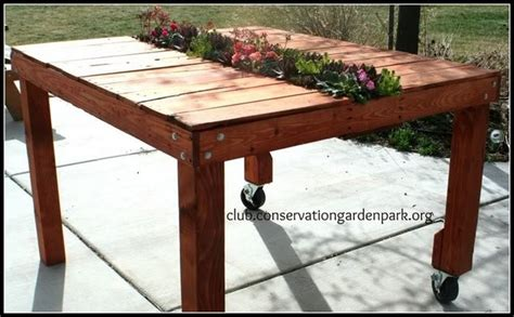 Planter Table by 11 Amazing Recycled Pallet Tables With Planters Pallet