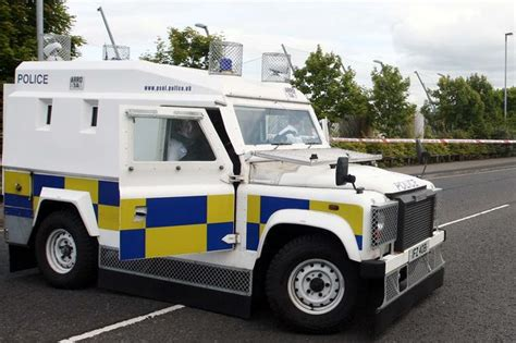 land rover psni psni right to use baton rounds on man who attacked land