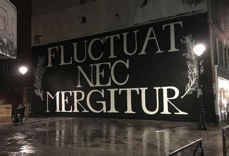 Fluctuat Nec Mergitur fluctuat nec mergitur