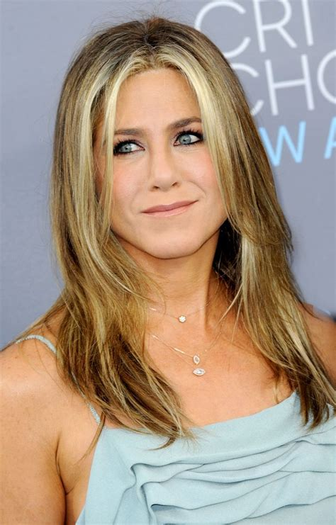 mid length hairstyles for the older person jennifer aniston is not pregnant she s mad that we even