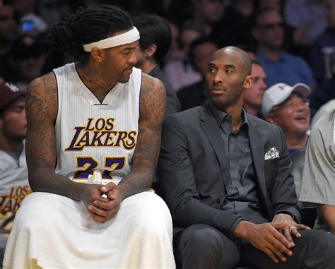 kobe bryant bench press kobe bryant returns to lakers bench at the request of