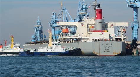 tugboat service 曳船業 tugboat service 衣浦ポートサービス株式会社
