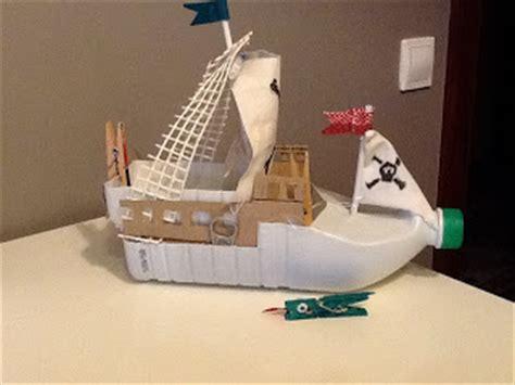 como hacer un barco en una botella barco pirata con material reciclado cosas de mam 225 s y peques