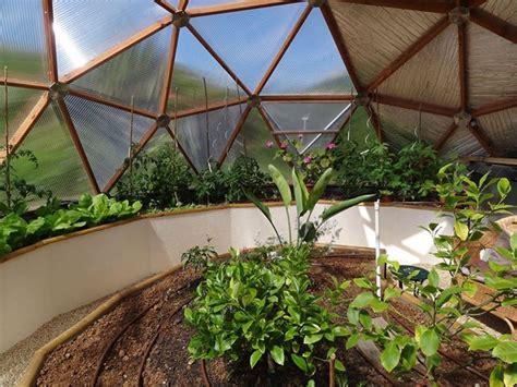 serre en dome une serre originale pour mon jardin serre d 244 me en