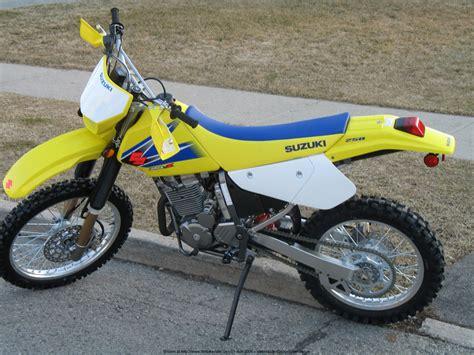 Suzuki Drz 250 Specs Suzuki Suzuki Dr Z 250 Moto Zombdrive