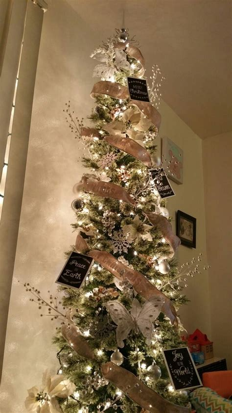 decrating a christmas tree with very thincurly ribbon best 25 tree ideas on