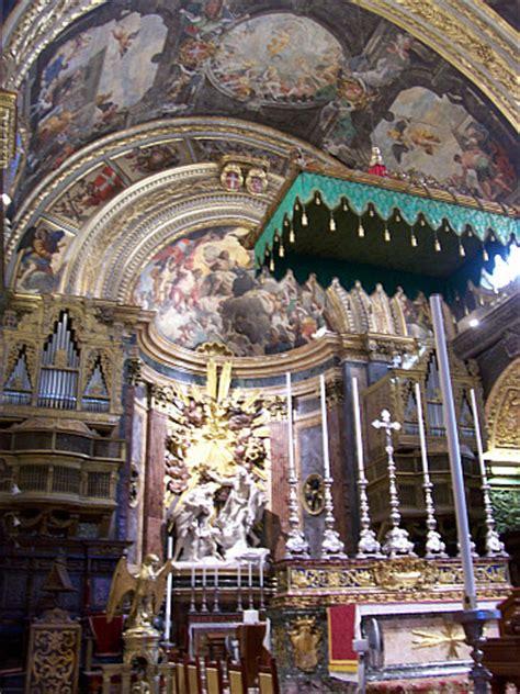 photo : co cathédrale saint jean choeur avec statue du