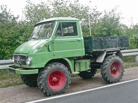 mercedes unimog small 4x4 truck all terrain milti