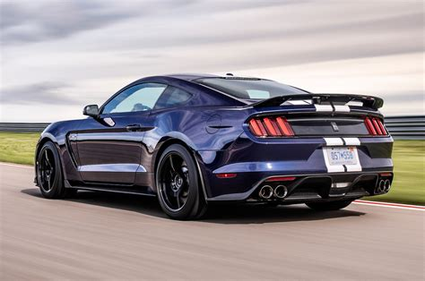 Ford Mustang Shelby Gt350 by 2019 Ford Mustang Shelby Gt350 Gets An Update Motor Trend