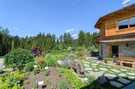 giardino delle erbe bergila giardino delle erbe alto adige per tutti