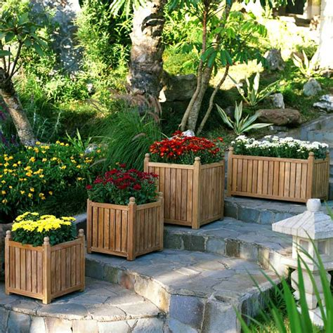 Landscaping Ideas For Backyards On A Budget Simple Diy Backyard Ideas On A Budget Outdoortheme