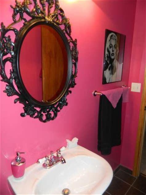black and pink bathroom ideas 25 best ideas about hot pink bathrooms on pinterest diy