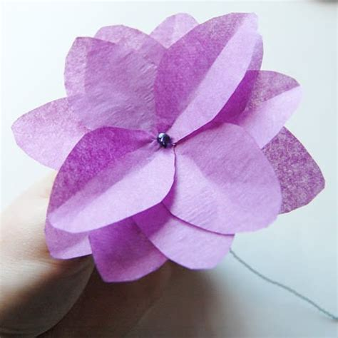 How To Make Easy Tissue Paper Flowers - 38 how to make paper flower tutorials so pretty tip