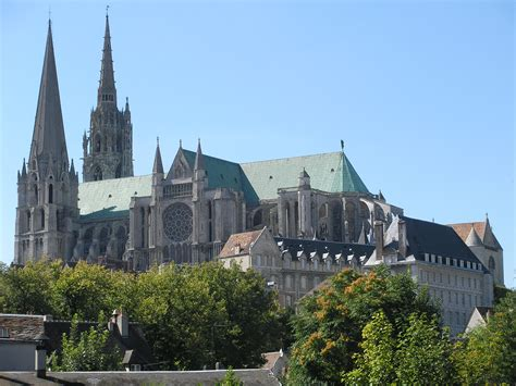 famous french architects file chartres cathedral jpg wikipedia