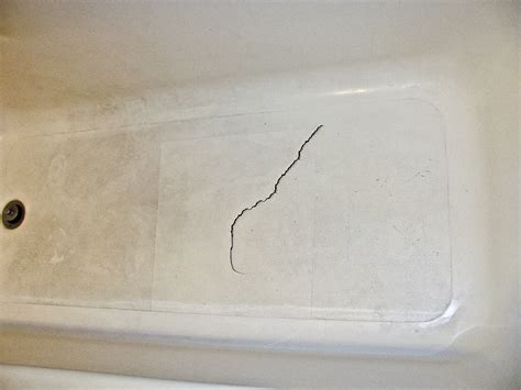 how to repair cracked bathtub plastic tub repair crack betamixe