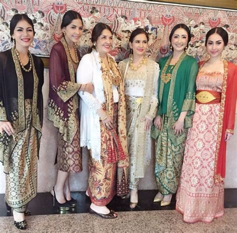 Kebaya Bali Set 205 60 best sarong kebaya designs images on kebaya indonesia kebaya lace and baju kurung