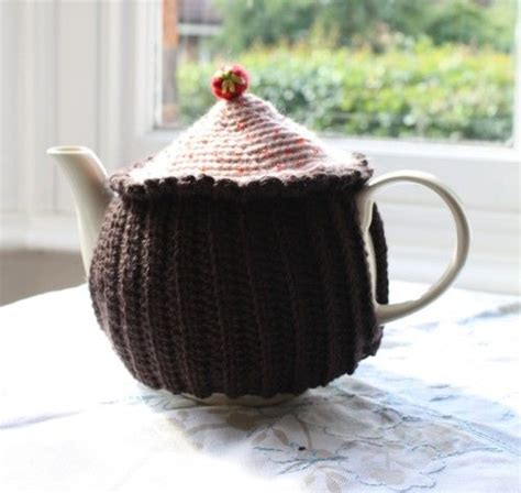 cupcake tea cosy knitting pattern free 203 best images about crochet coasters cozies teapots cups