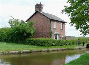 cottages hshire cottage by hurleston locks cheshire 169 roger kidd