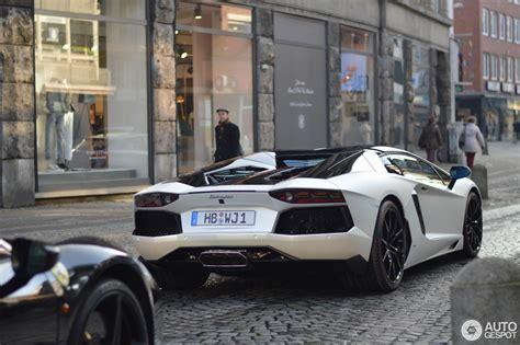 Lamborghini Bremen by Lamborghini Aventador Lp700 4 Roadster Pirelli Edition 4