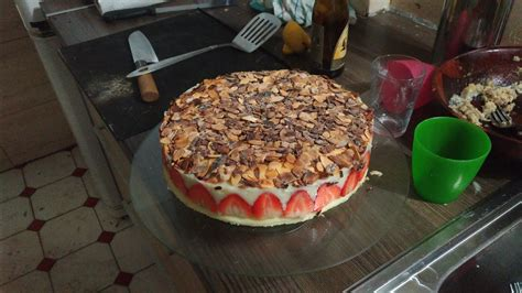 herve cuisine fraisier recette du fraisier facile et l 233 ger avec herv 233 cuisine