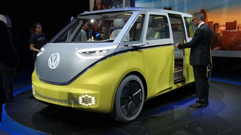 volkswagen concept 2017 take a closer look at the vw i d buzz concept