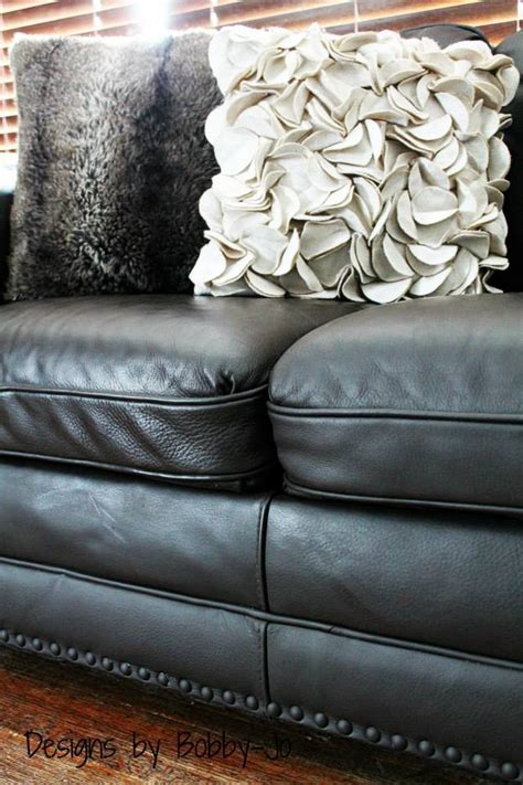 Leather Paint Sofa by Painting Leather Fabric Furniture The Plaster Paint