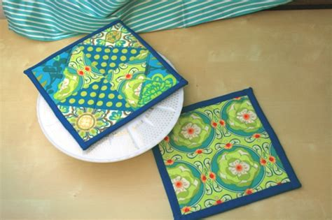How To Make Quilted Potholders by Modify Tradition Potholder Tutorial