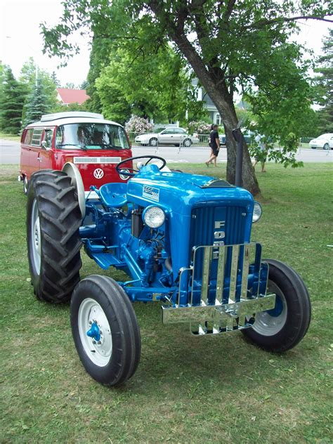 how does a cars engine work 2000 ford econoline e350 interior lighting ford 2000 tractor construction plant wiki the classic vehicle and machinery wiki