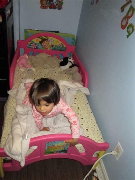 Toddler Transition From Crib To Bed by Transitions From Crib To Toddler Bed Baby And