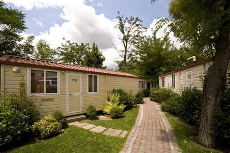 park bungalows flaminio bungalow park in rome italy find cheap