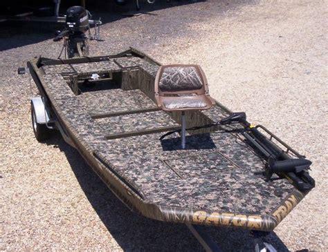 duck hunting gator trax boats learn v bottom duck boat des