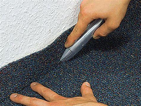 teppich schneiden so kleben sie einen teppichboden bauhaus