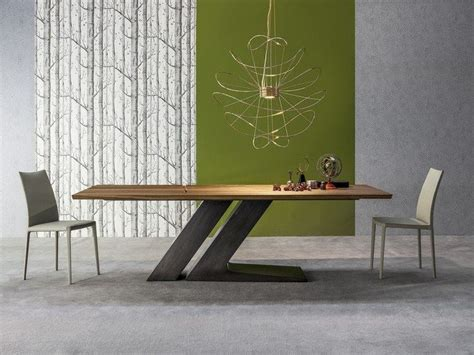 le avec pied en bois les 25 meilleures id 233 es de la cat 233 gorie pied de table design sur pied table pied de