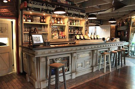 arredamento pub prezzi arredamento pub prezzi con panche per pub e