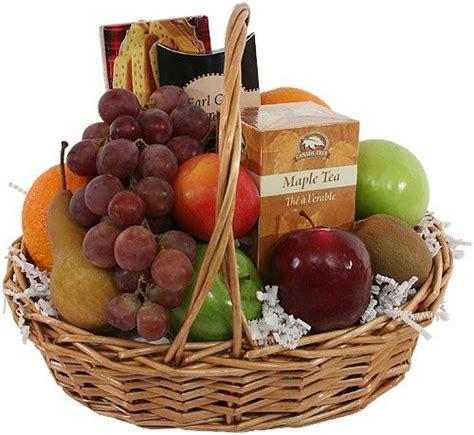 canasta de frutas para regalo una canasta con frutas de temporada lucen geniales