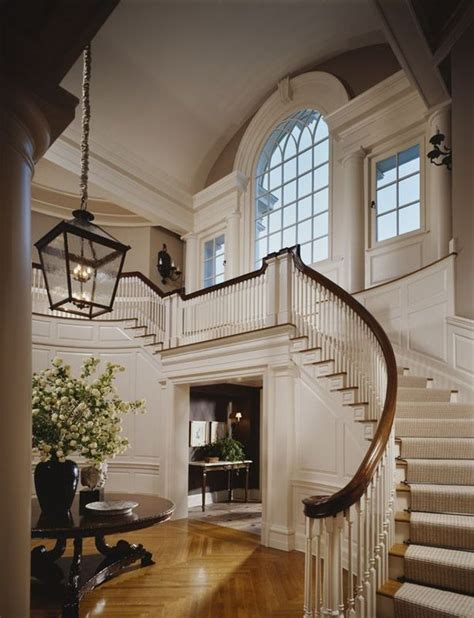 big white staircase beautiful wooden floors high reprezentacyjne schody willa palac duzy dom jak projektowa
